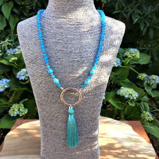 sautoir jade et apatite pompon anneau spirit love