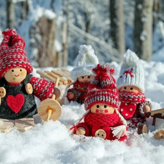 doll-figures-3015495_1280
