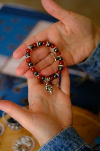 main bracelet femme créateur bijoux pierres semi précieuses naturelles