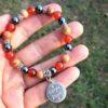 bracelet carpe diem femme cornaline hématite bois fossile courage confiance apaisement protection énergie colère libération créativité 1