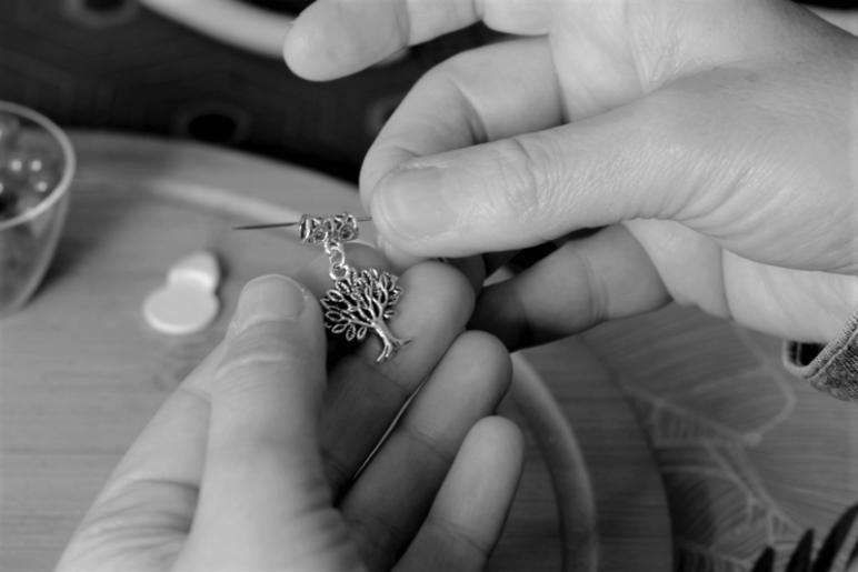 création d'un bracelet pierre naturelle cornaline hématite femme