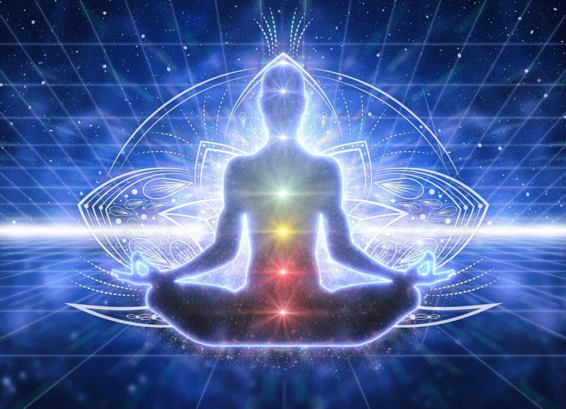 7 chakra plexus solaire couronne cœur sacré racine gorge œil corps humain harmonie équilibre